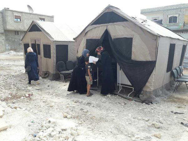 Syrian refugees receive medical aid thanks to mobile health clinics